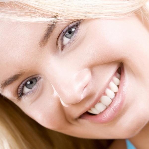 Preprečite nastanek bolezni dlesni in posledično puljenje zob